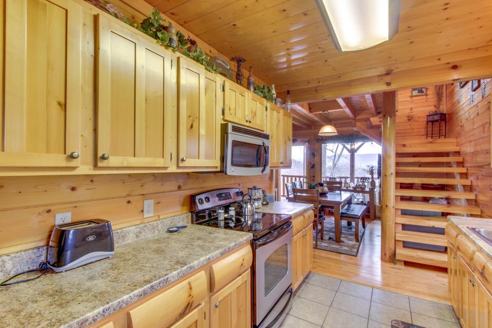 BearSlide Inn - Sevierville Vacation Rental - Photo 11