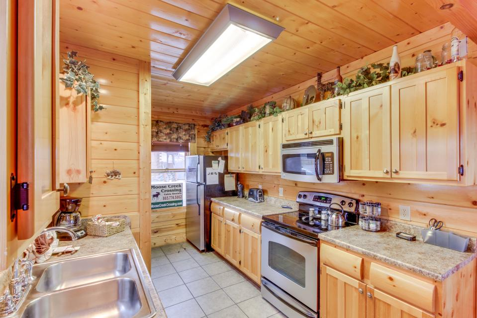 BearSlide Inn - Sevierville Vacation Rental - Photo 10