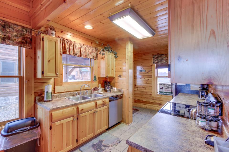 BearSlide Inn - Sevierville Vacation Rental - Photo 12