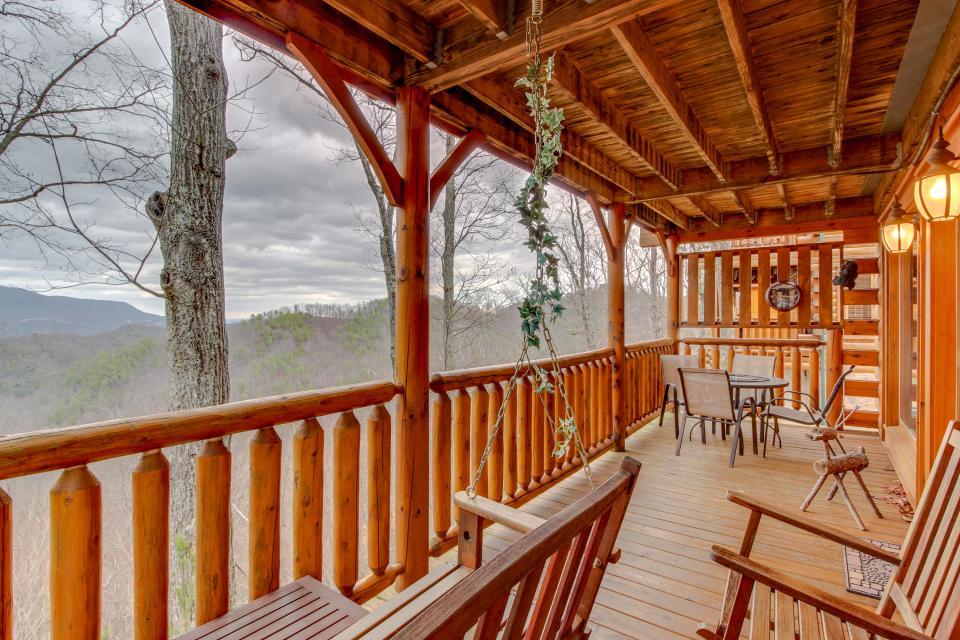 BearSlide Inn - Sevierville Vacation Rental - Photo 31