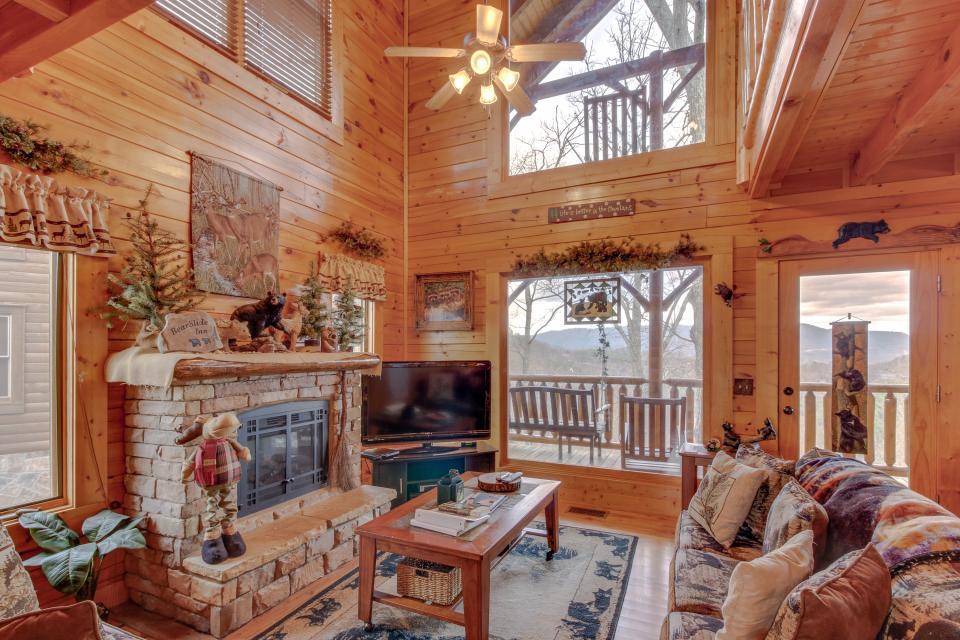 BearSlide Inn - Sevierville Vacation Rental - Photo 6