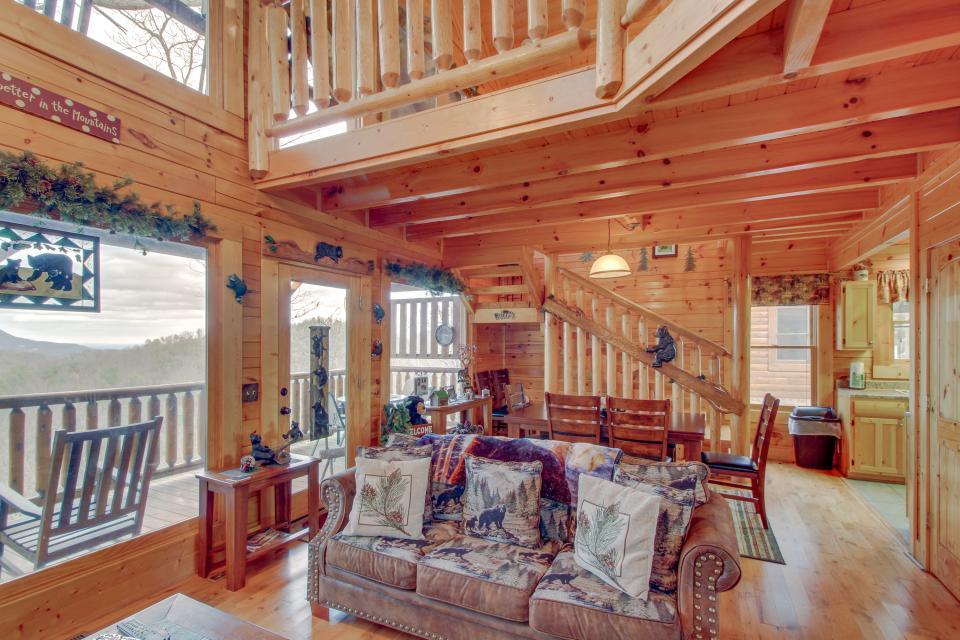 BearSlide Inn - Sevierville Vacation Rental - Photo 7