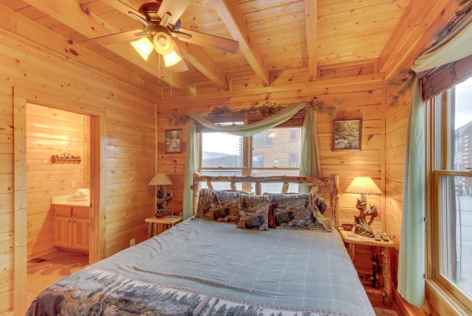 BearSlide Inn - Sevierville Vacation Rental - Photo 14