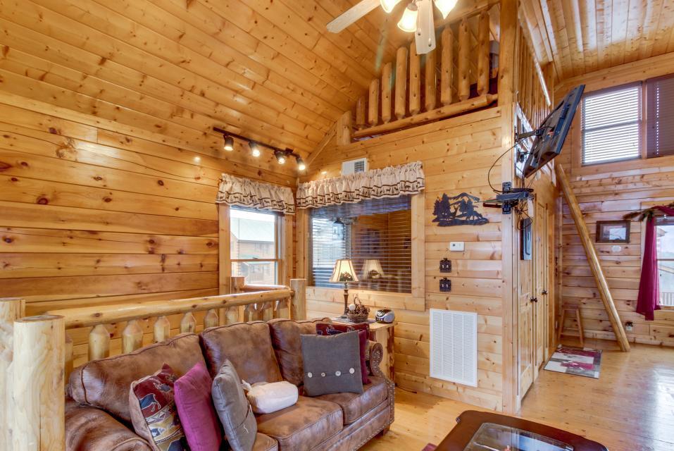 BearSlide Inn - Sevierville Vacation Rental - Photo 18