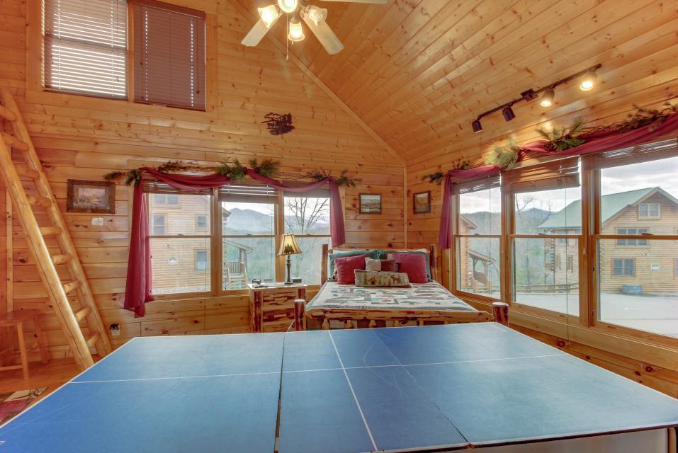 BearSlide Inn - Sevierville Vacation Rental - Photo 20