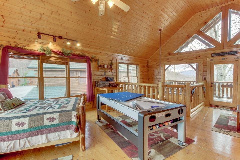 BearSlide Inn - Sevierville Vacation Rental - Photo 21