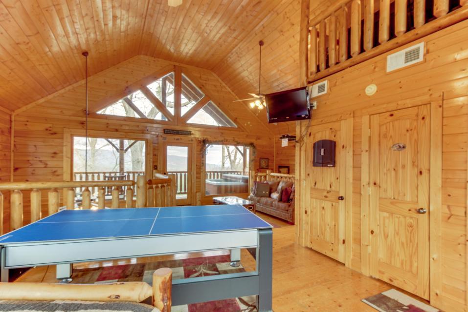 BearSlide Inn - Sevierville Vacation Rental - Photo 28