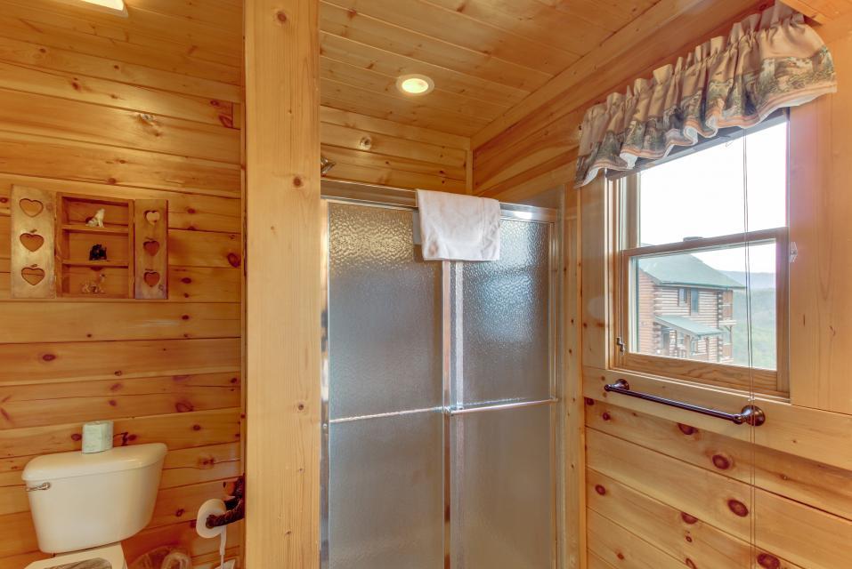 BearSlide Inn - Sevierville Vacation Rental - Photo 23