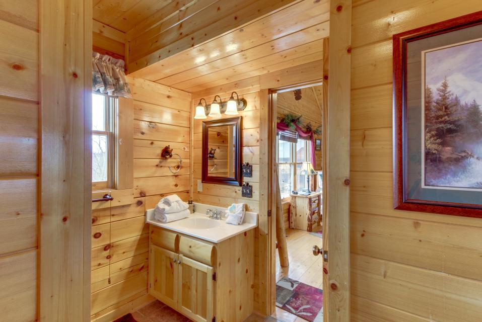 BearSlide Inn - Sevierville Vacation Rental - Photo 25