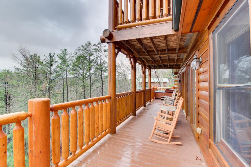 Million Dollar View  - Sevierville Vacation Rental - Photo 24