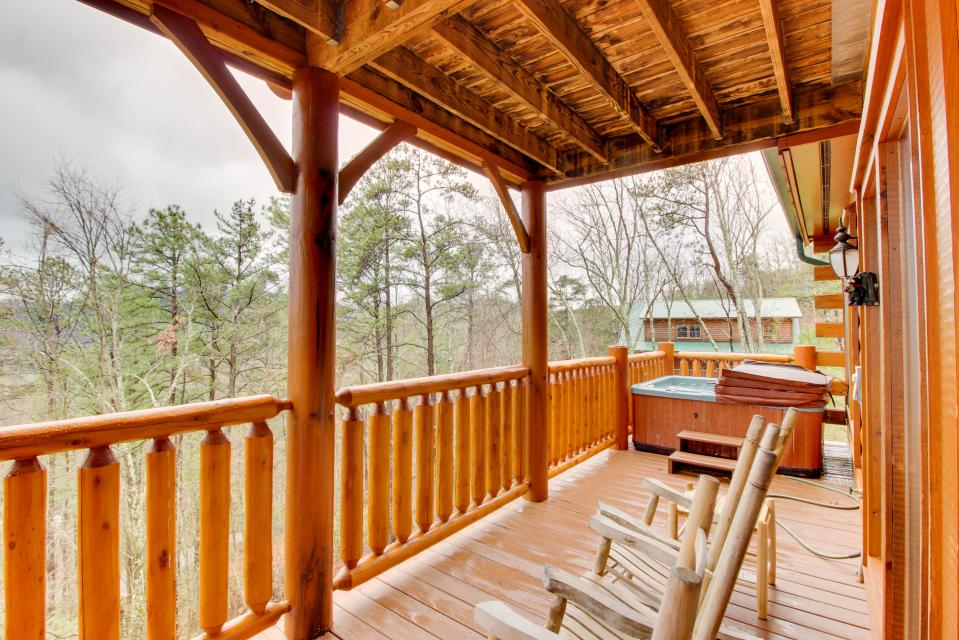 Million Dollar View  - Sevierville Vacation Rental - Photo 2