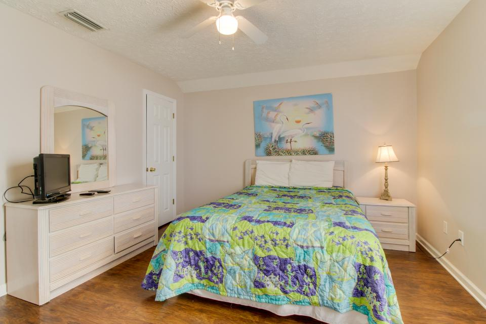 Palm Cove Hideaway - Panama City Beach Vacation Rental - Photo 18