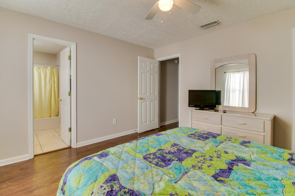 Palm Cove Hideaway - Panama City Beach Vacation Rental - Photo 19
