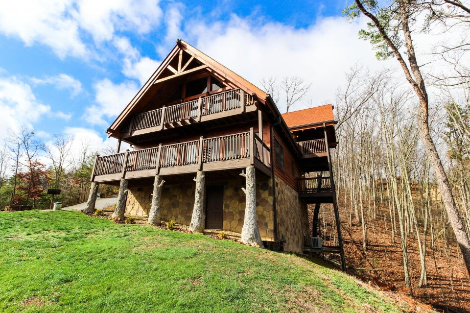 The Laughing Salamander  - Sevierville Vacation Rental - Photo 1
