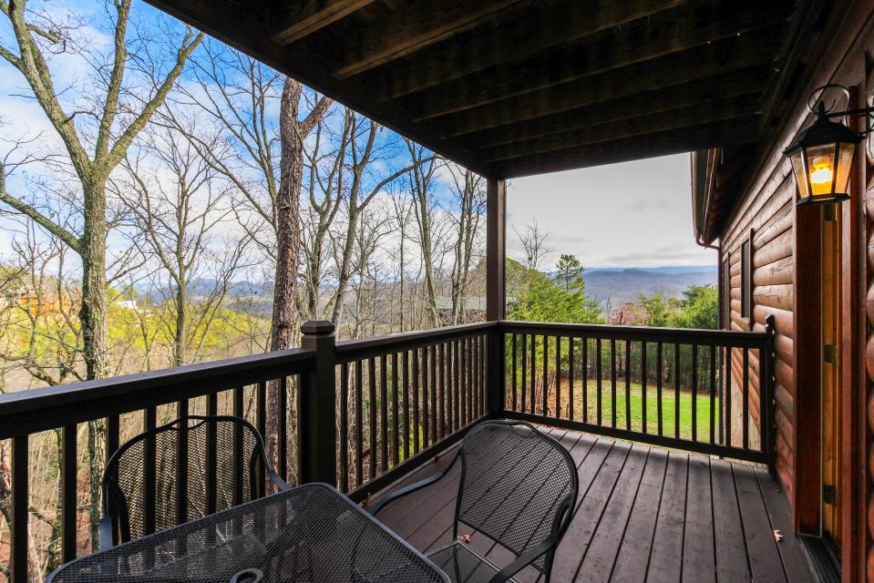 The Laughing Salamander  - Sevierville Vacation Rental - Photo 25
