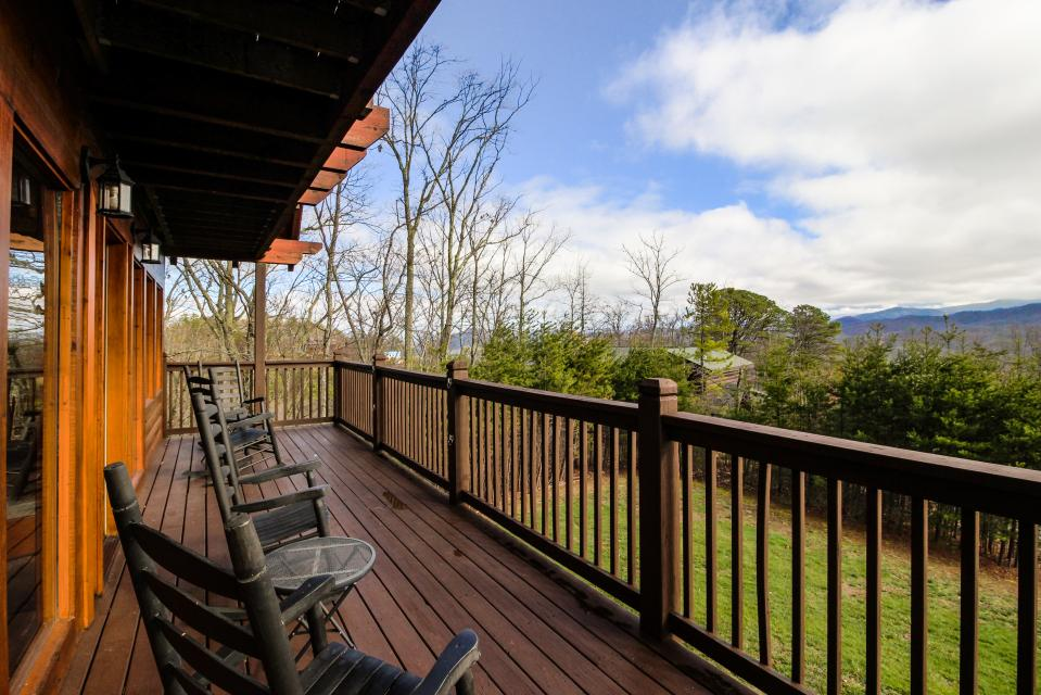The Laughing Salamander  - Sevierville Vacation Rental - Photo 3