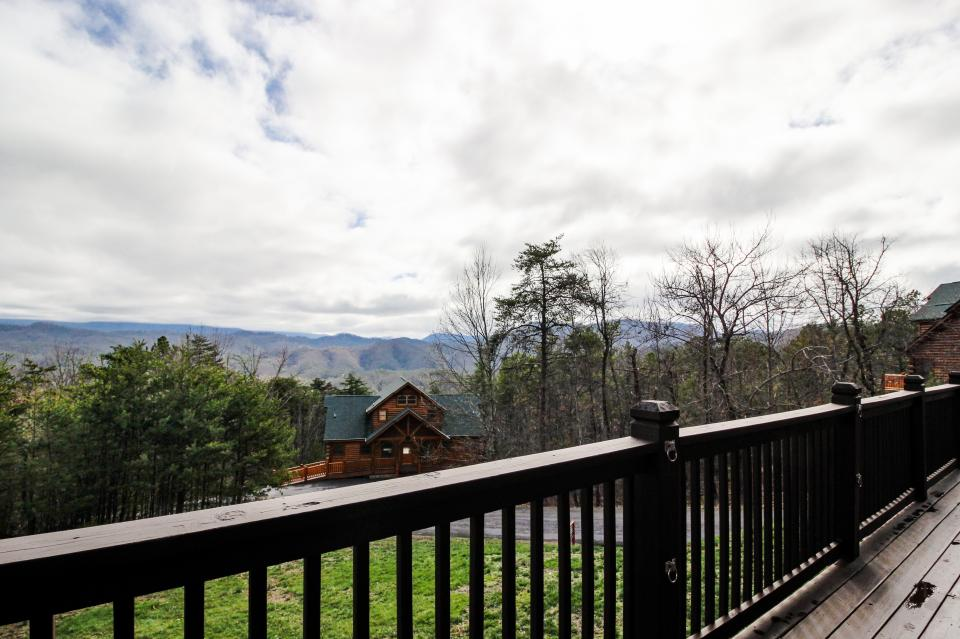 The Laughing Salamander  - Sevierville Vacation Rental - Photo 23
