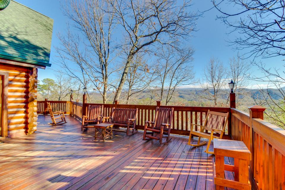 Heaven on a Hill - Sevierville Vacation Rental - Photo 52