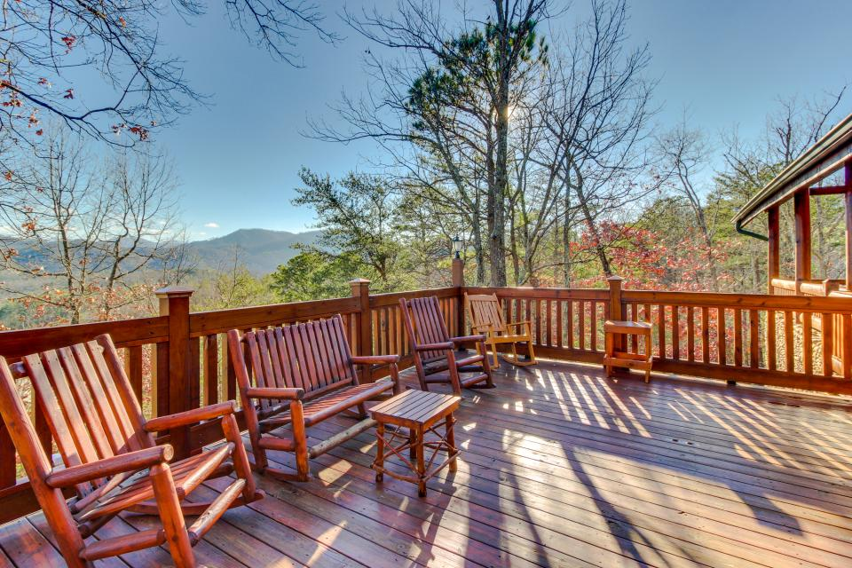 Heaven on a Hill - Sevierville Vacation Rental - Photo 2