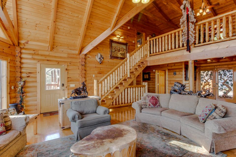 Heaven on a Hill - Sevierville Vacation Rental - Photo 8