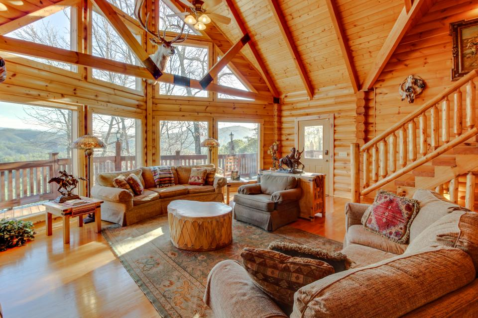 Heaven on a Hill - Sevierville Vacation Rental - Photo 3