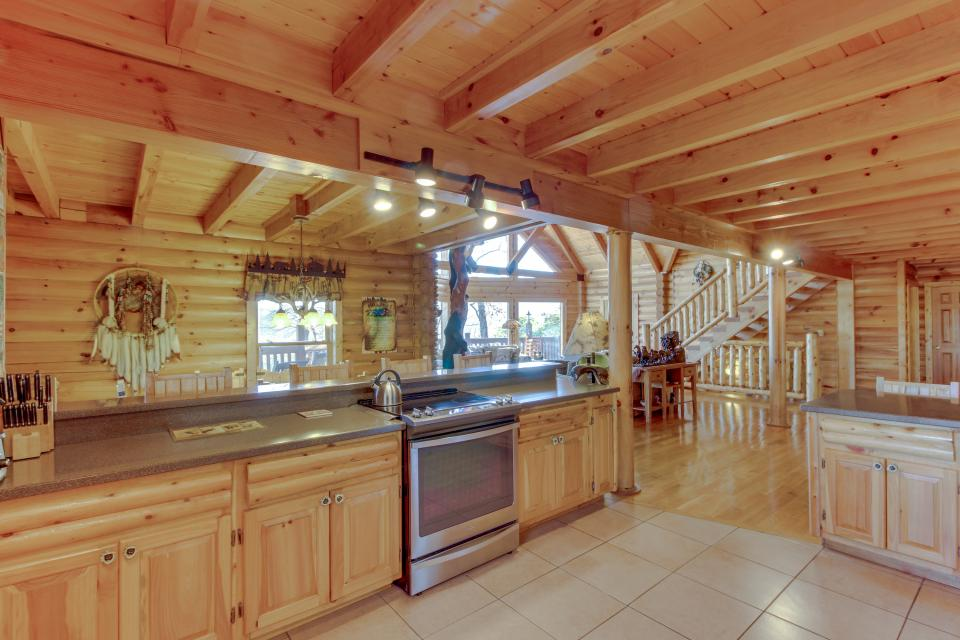 Heaven on a Hill - Sevierville Vacation Rental - Photo 14