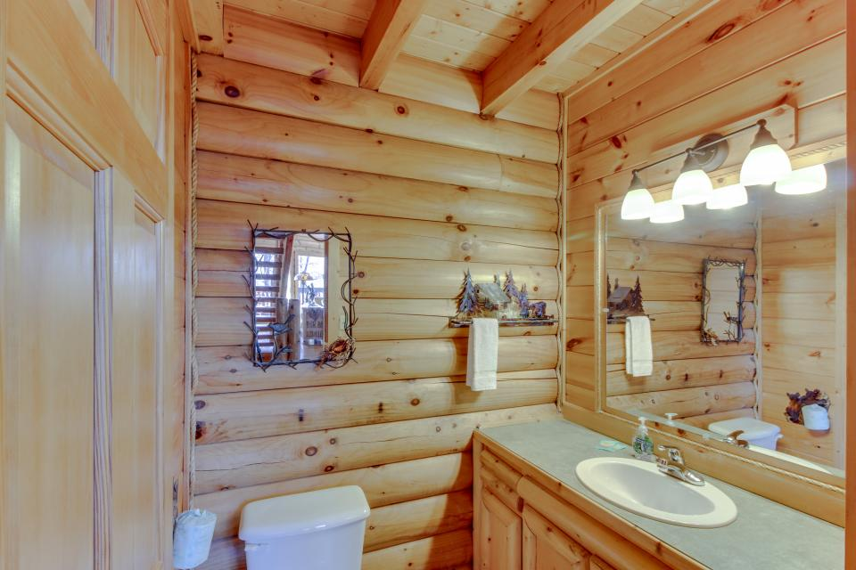 Heaven on a Hill - Sevierville Vacation Rental - Photo 15