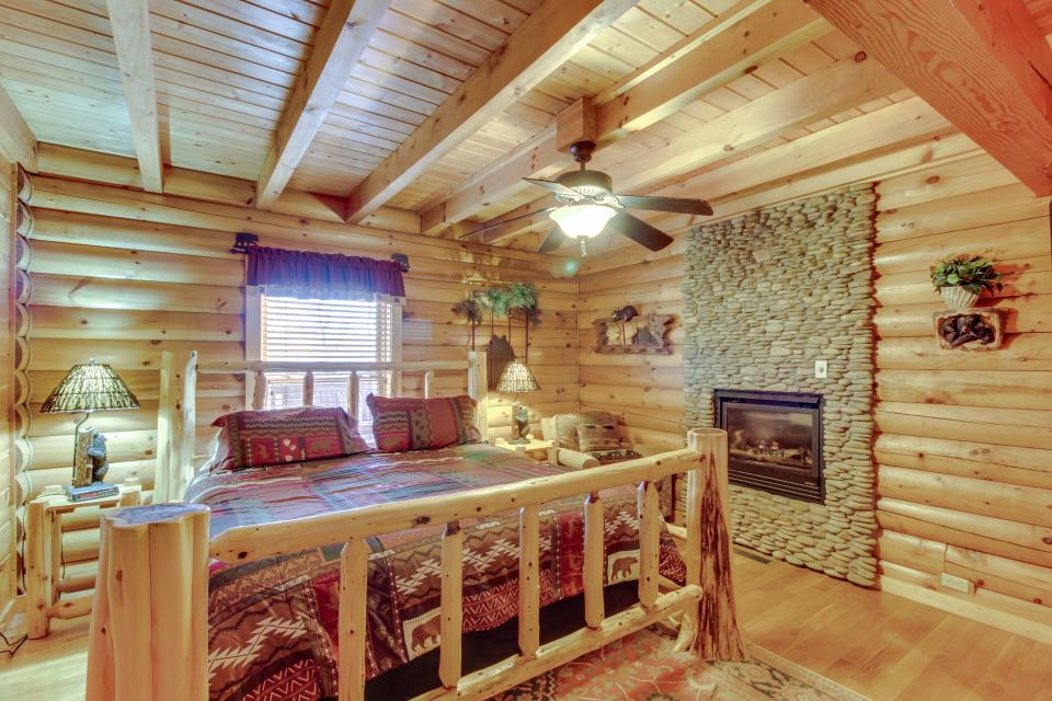 Heaven on a Hill - Sevierville Vacation Rental - Photo 16