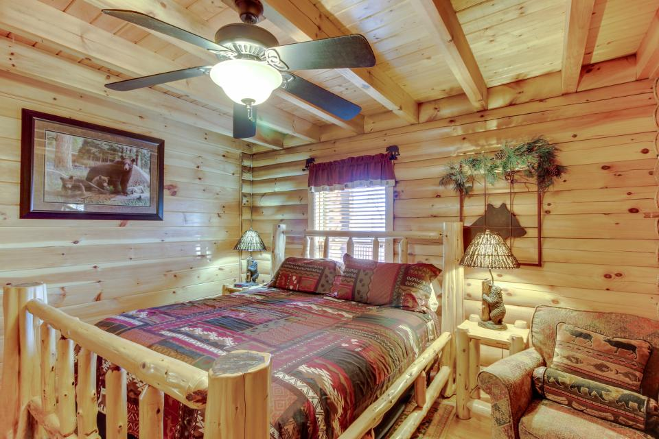 Heaven on a Hill - Sevierville Vacation Rental - Photo 17