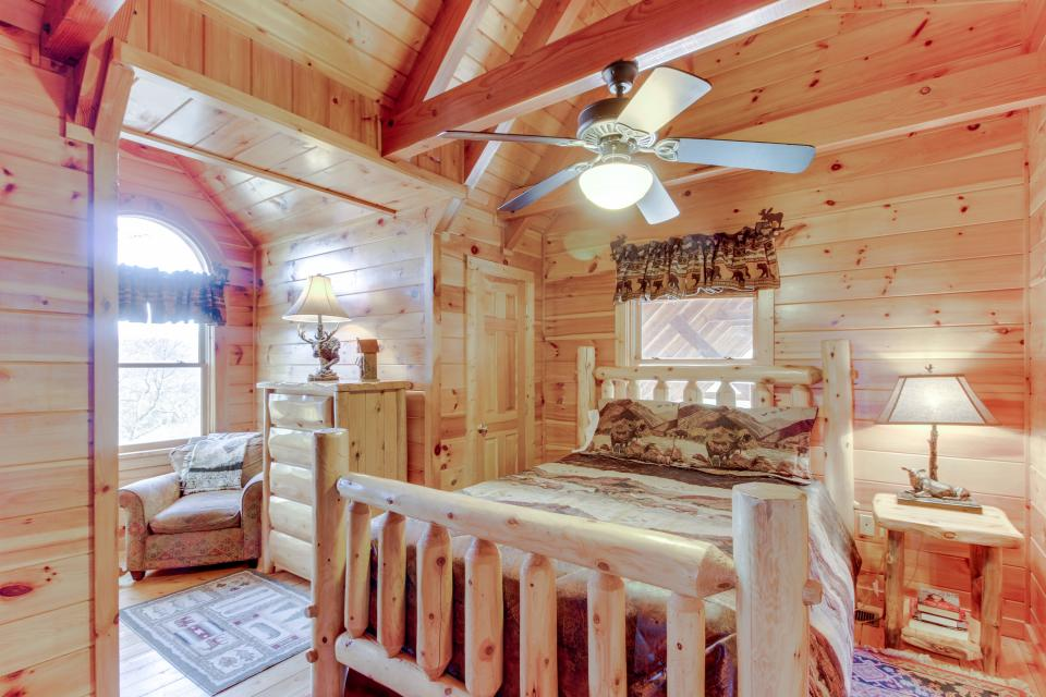 Heaven on a Hill - Sevierville Vacation Rental - Photo 20