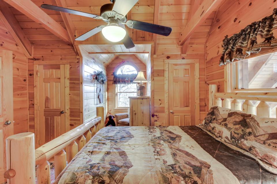 Heaven on a Hill - Sevierville Vacation Rental - Photo 21