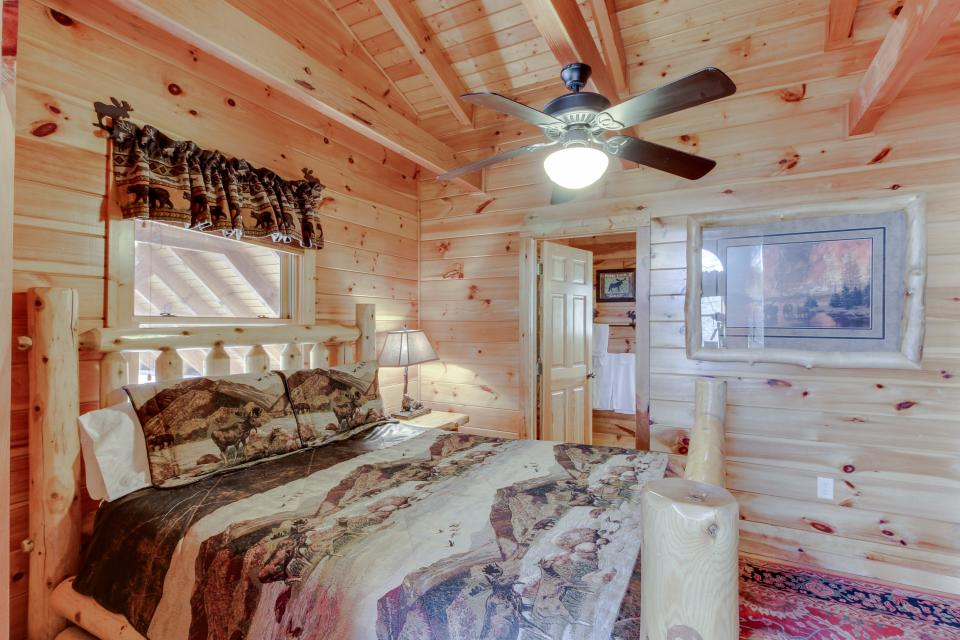 Heaven on a Hill - Sevierville Vacation Rental - Photo 22