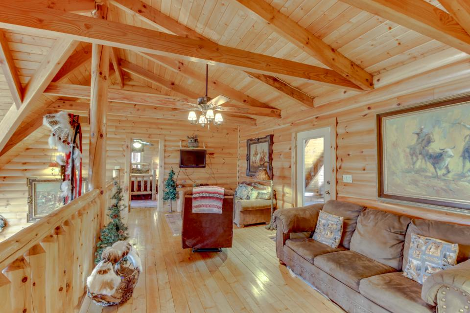 Heaven on a Hill - Sevierville Vacation Rental - Photo 26