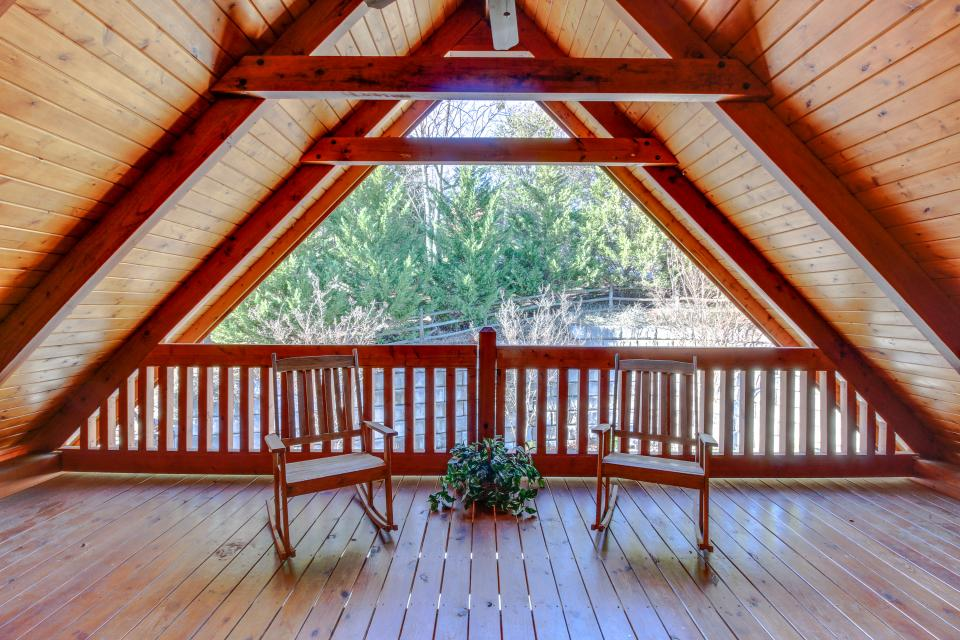 Heaven on a Hill - Sevierville Vacation Rental - Photo 27