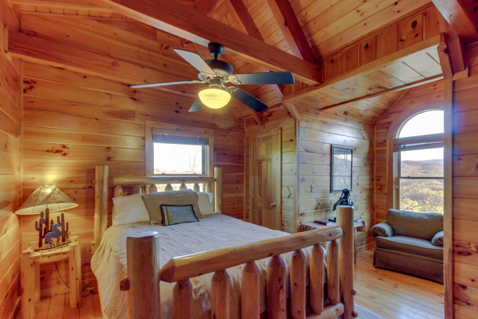 Heaven on a Hill - Sevierville Vacation Rental - Photo 30