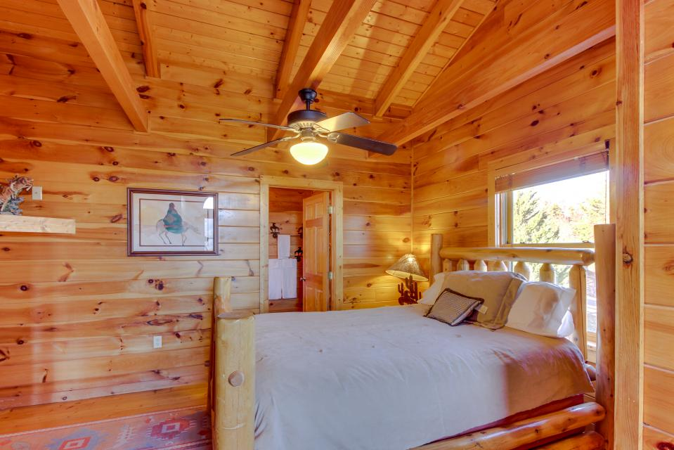 Heaven on a Hill - Sevierville Vacation Rental - Photo 28