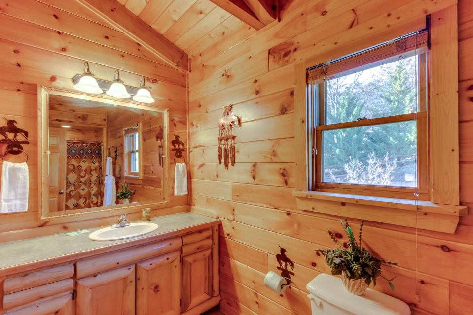 Heaven on a Hill - Sevierville Vacation Rental - Photo 31