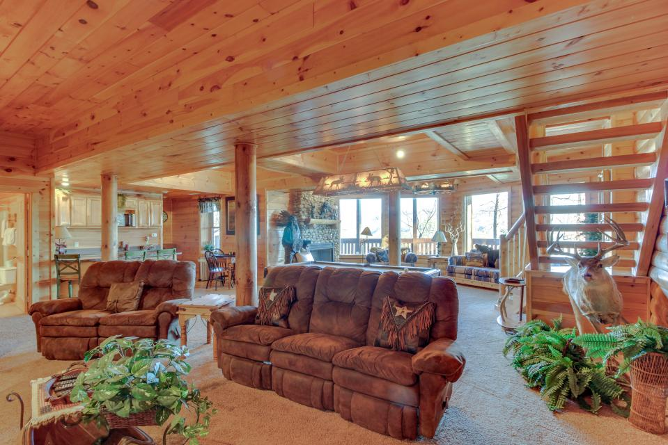 Heaven on a Hill - Sevierville Vacation Rental - Photo 35