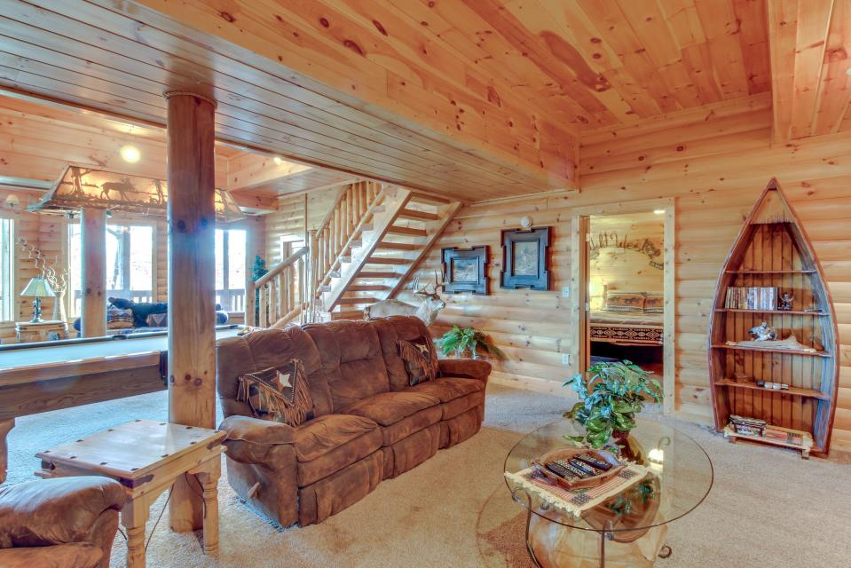 Heaven on a Hill - Sevierville Vacation Rental - Photo 40