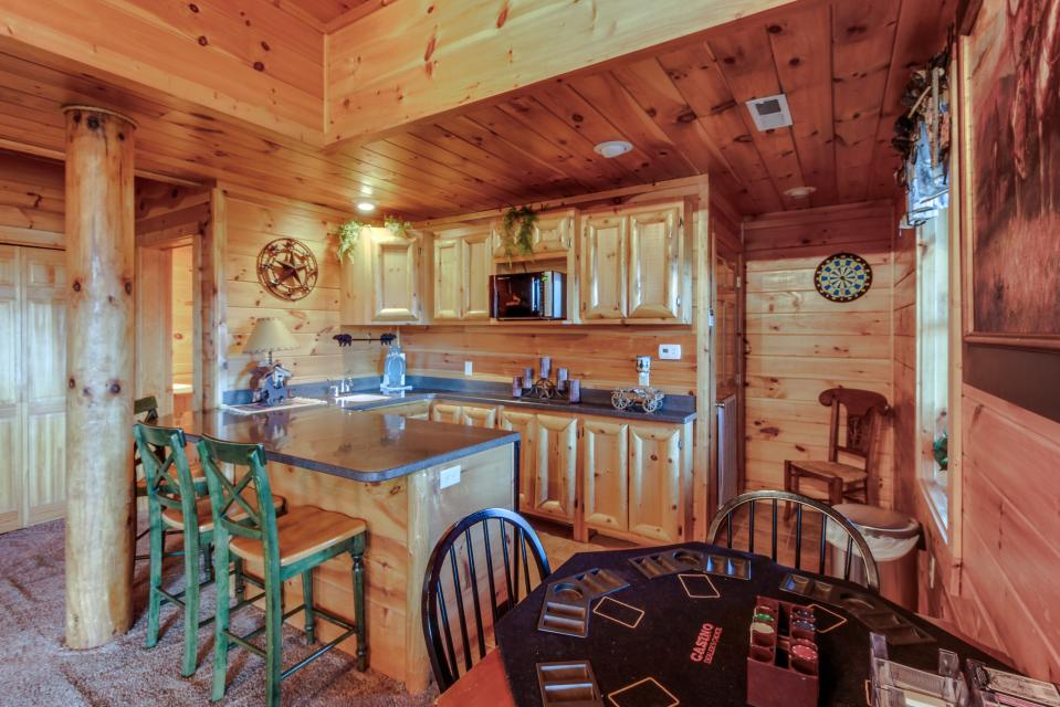 Heaven on a Hill - Sevierville Vacation Rental - Photo 36
