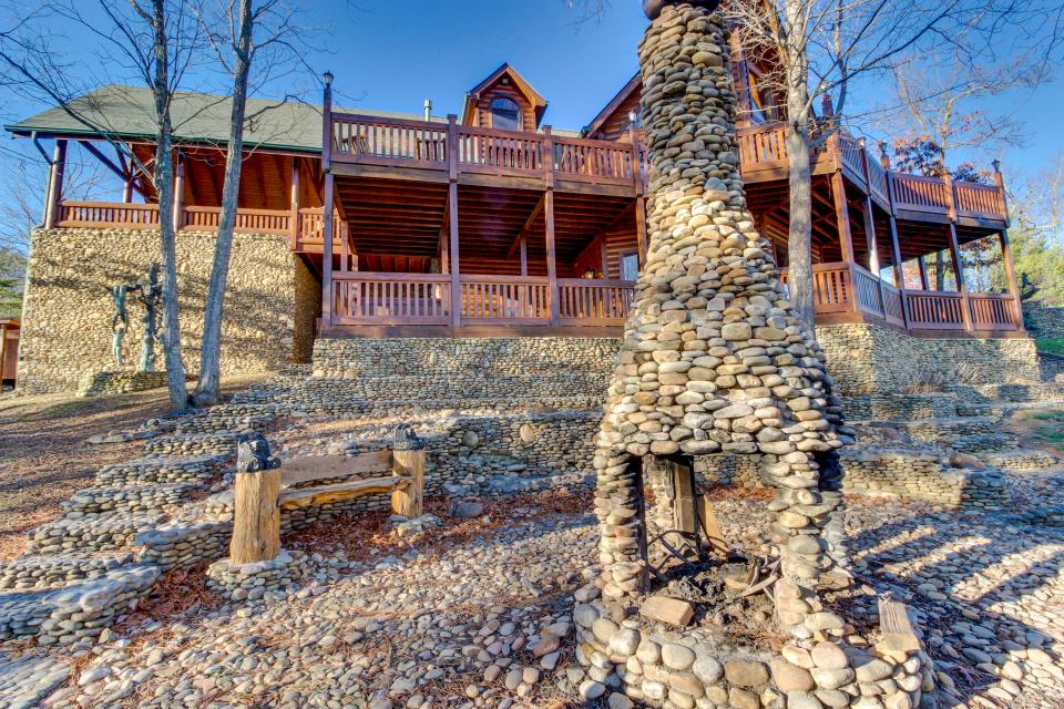 Heaven on a Hill - Sevierville Vacation Rental - Photo 56