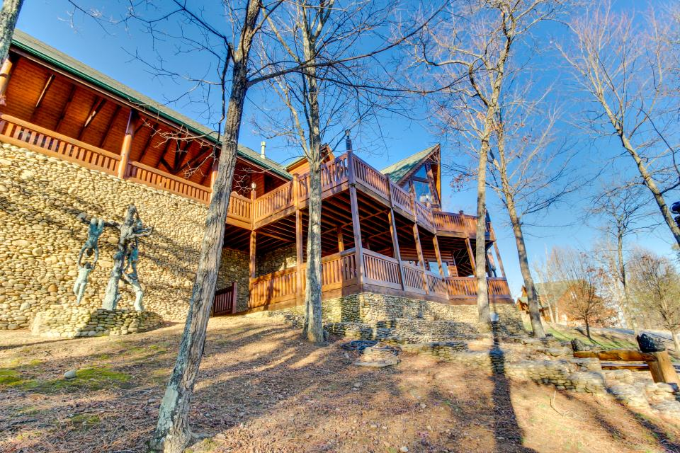 Heaven on a Hill - Sevierville Vacation Rental - Photo 44