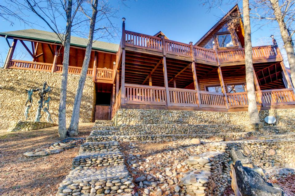 Heaven on a Hill - Sevierville Vacation Rental - Photo 57