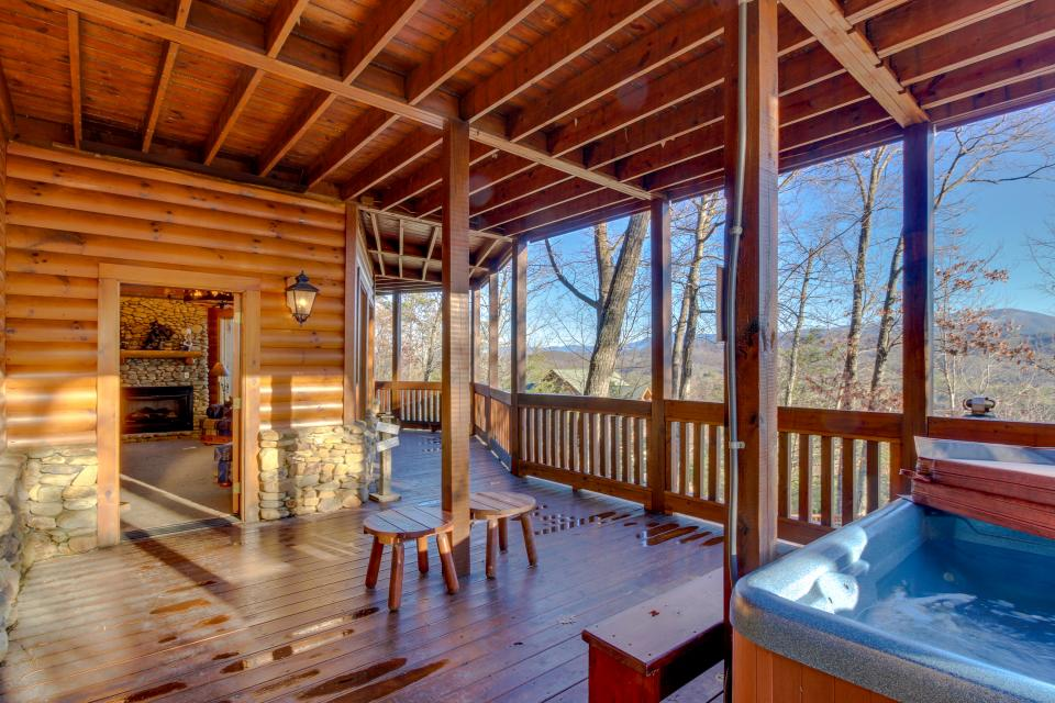 Heaven on a Hill - Sevierville Vacation Rental - Photo 5