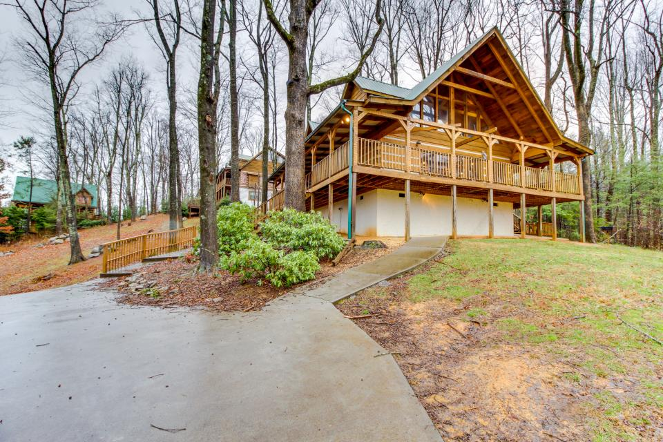 Smokies Sanctuary - Sevierville Vacation Rental - Photo 40