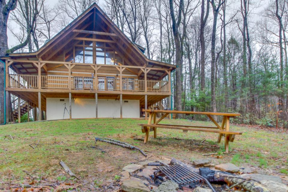 Smokies Sanctuary - Sevierville Vacation Rental - Photo 2