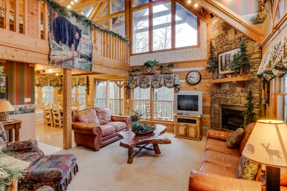 Smokies Sanctuary - Sevierville Vacation Rental - Photo 3