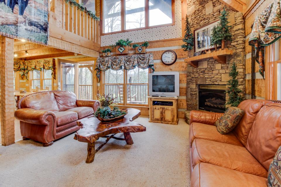 Smokies Sanctuary - Sevierville Vacation Rental - Photo 7