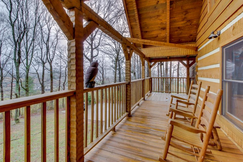 Smokies Sanctuary - Sevierville Vacation Rental - Photo 6