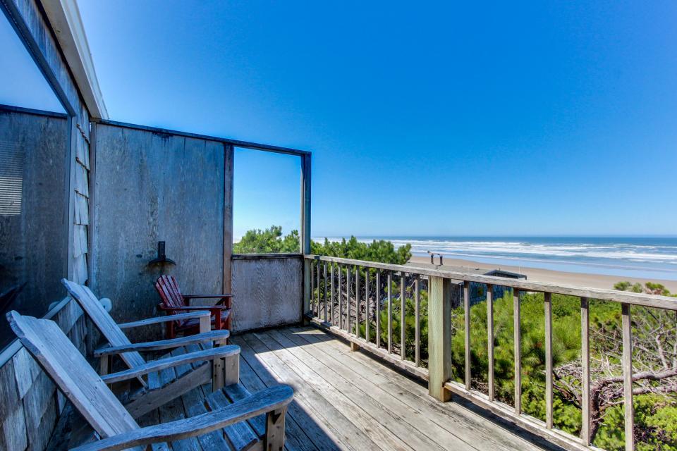 Cape Cod Cottages - Unit 2 - Waldport Vacation Rental